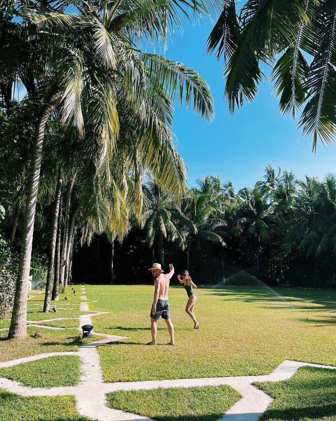 """""""""""Kerem Bürsin Bursin Hande Erçel Ercel Serenay Sarıkaya Sarikaya Instagram untag Maldives love Aşk"""