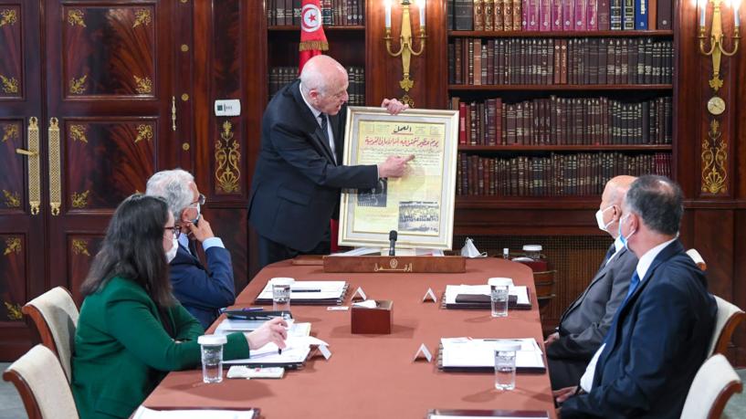 """قيس سعيّد يؤكد التزامه باحترام الحريات: """"لست من دعاة الفوضى والانقلاب"""""""