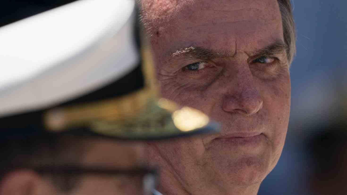 رئيس البرازيل يعاني مضاعفات بعد شفائه من كورونا وزوجته تصاب بالمرض