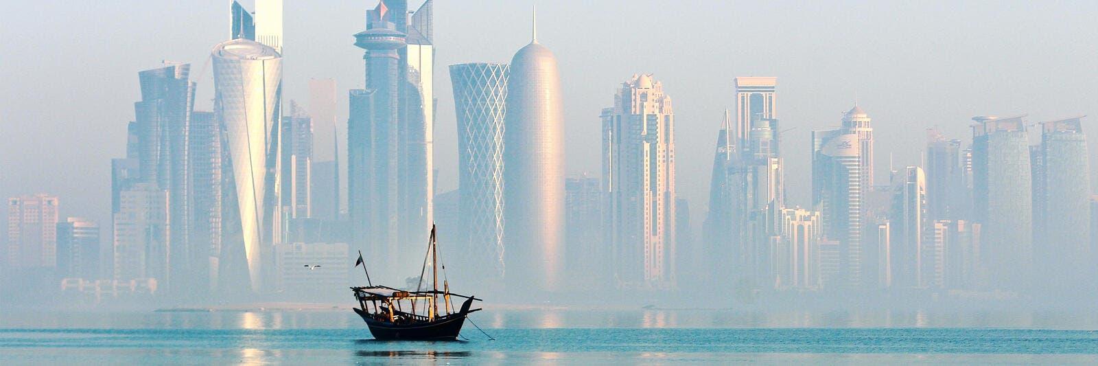 قطر تمدد إيقاف الرحلات القادمة وتغلق المنطقة الاقتصادية بالدوحة