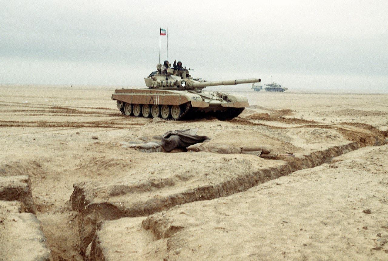 الكويت تدعو جيشها إلى الاستعداد