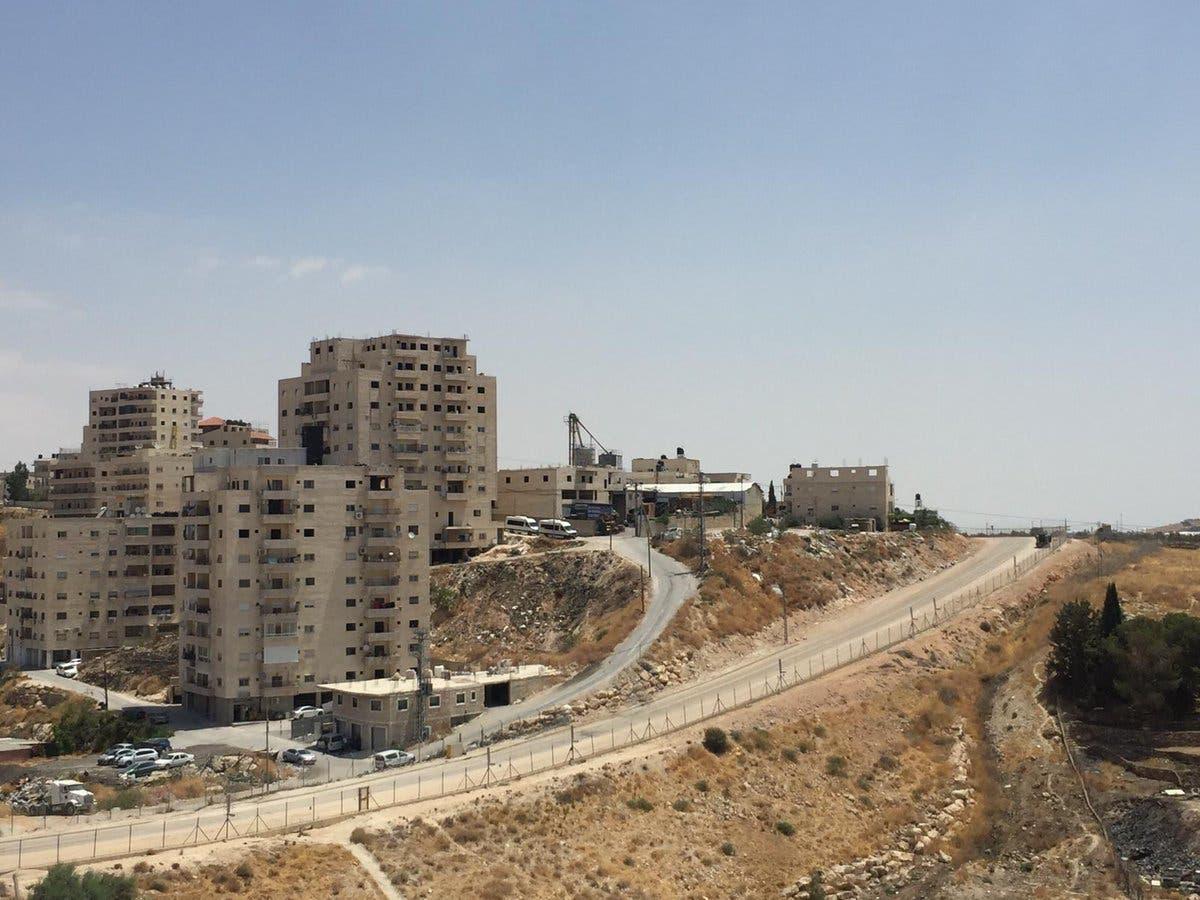 اخطارات بهدم واخلاء 13 منزلا فلسطينيا بالقدس وتسليم بناية للمستوطنين