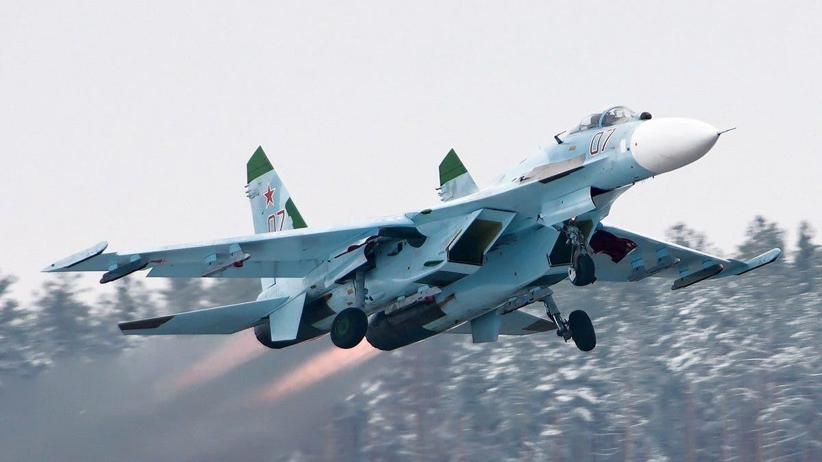 مقاتلة روسية تعترض طائرتي استطلاع أميركيتين فوق البحر الأسود