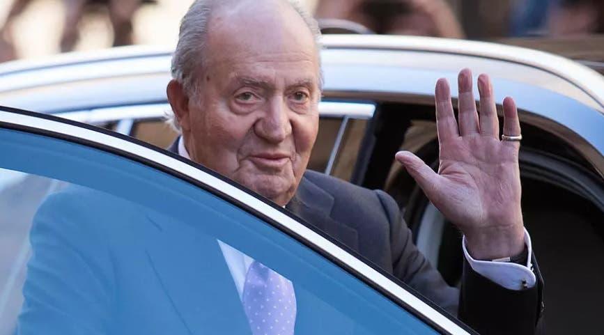 الملك السابق خوان كارلوس يقرر مغادرة إسبانيا إلى المنفى