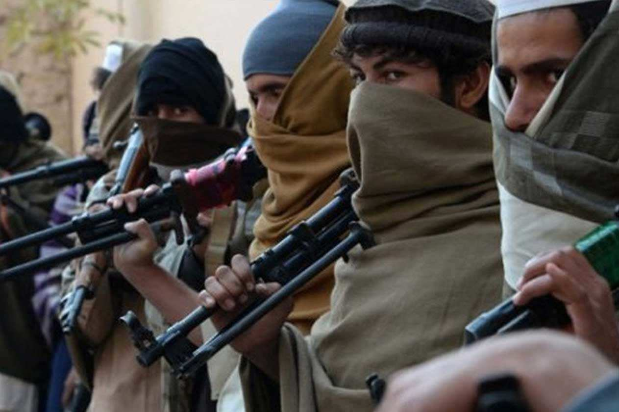 الحكومة الأفغانية تحثّ طالبان على تمديد وقف إطلاق النار