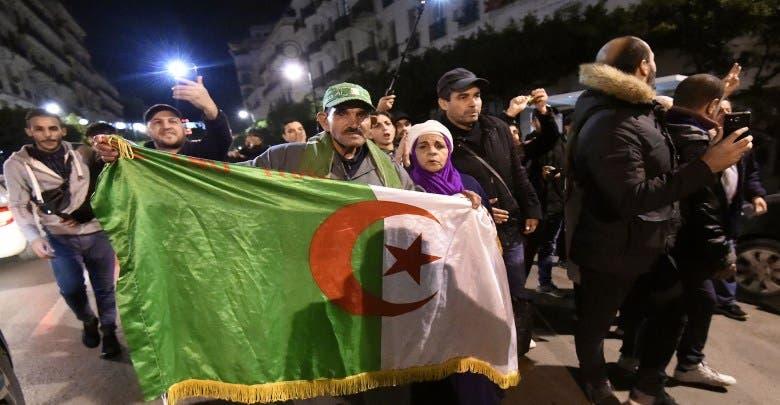 تظاهرة ليلية في الجزائر رغم الاعتقالات