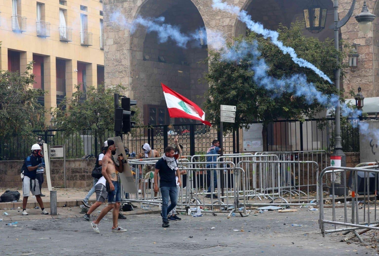 مقتل مجند لبناني وإصابة 70 آخرين في اشتباكات ببيروت