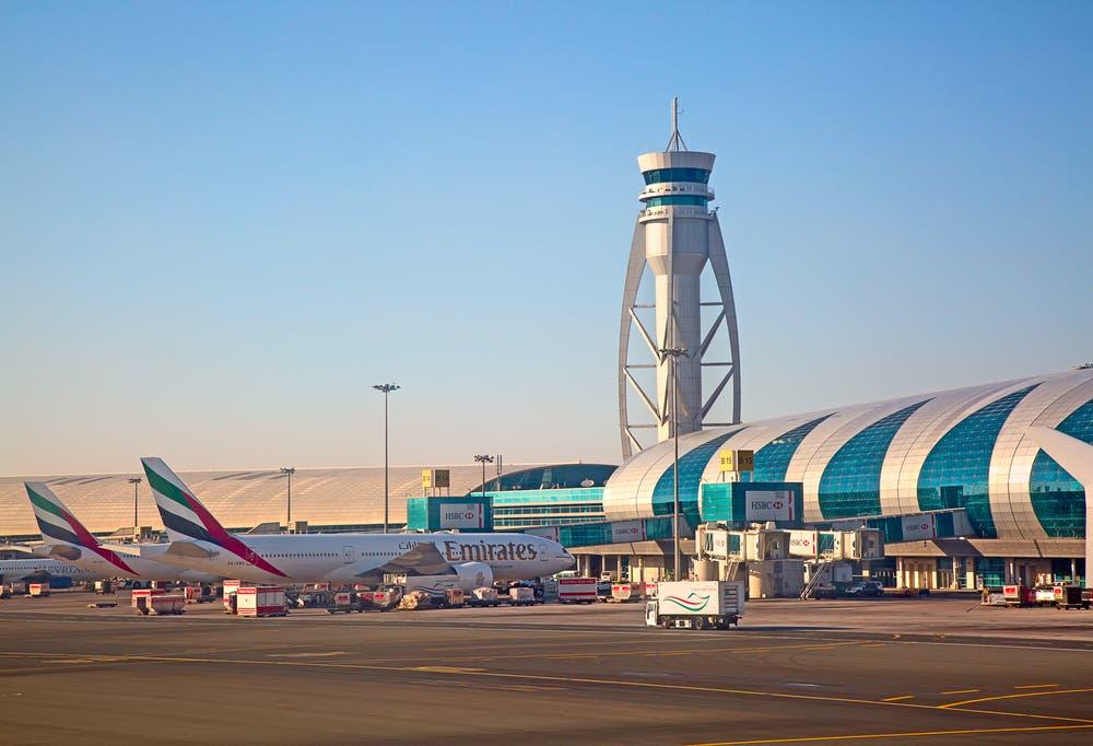 مطار دبي يقدم خدمة السيارات المجانية
