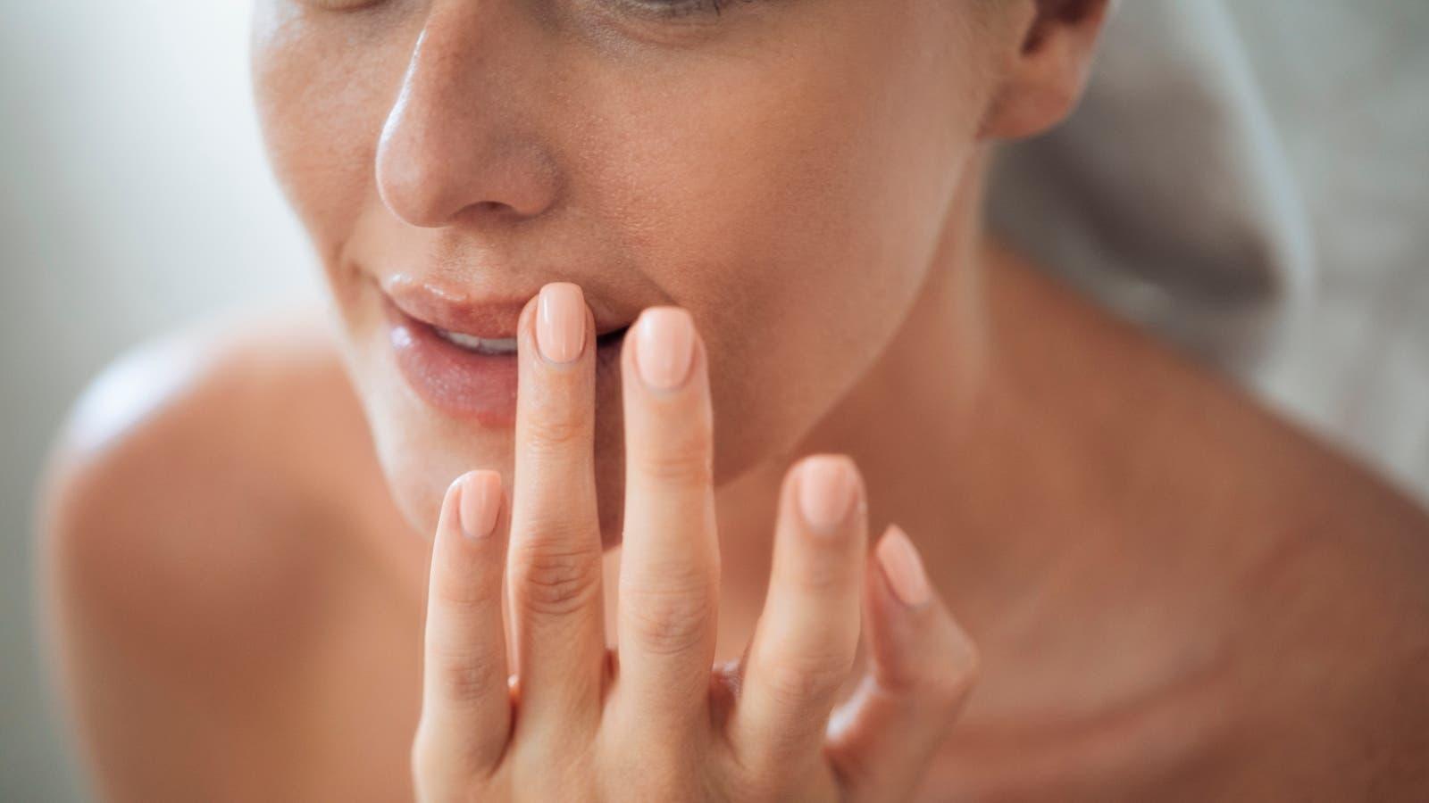 3 وصفات منزلية لعلاج وتفتيح الشفايف