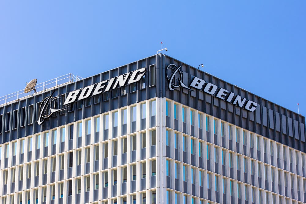 Boeing Plans Commercial Jets Flying on Green Fuels by 2030