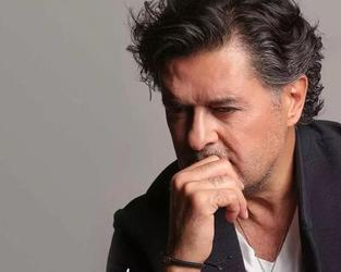 Lebanese Superstar Ragheb Alama released a new song few days ago titled Tar El Balad that reflects the worsening situation in Lebanon.