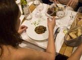 مطعم للعراة في باريس