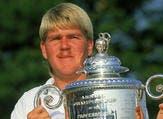 لاعب الغولف جون دالي: فاز ببطولة PGA  عام 1991 وبطولة بريطانيا المفتوحة عام 1995، إلا أنه تعرض لمشكلات عدة مع الضرائب انتهت بإفلاسه بعدما وصلت خسائره بسبب القمار إلى 90 مليون دولار.