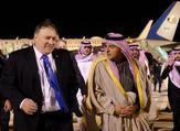 وزير الخارجية الأمريكي مايك بومبيو ووزير الدولة السعودي للشؤون الخارجية عادل الجبير لدى وصوله إلى الرياض