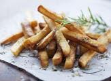البطاطس المقلية بالأعشاب