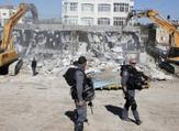 هدم عمارة سكنية فلسطينية
