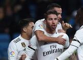 لاعبو ريال مدريد يحتفلون بهدف راموس