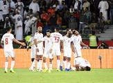 لاعبو الإمارات يحتفلون بالهدف الثاني
