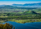 Lake and conic hill at Golan Heights (Shutterstock)