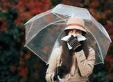من أعراض حساسية الخريف هو سيلان الأنف مع العطس المستمر