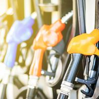People were seen rushing to gas stations Monday as worries of nationwide gas shortages grew.