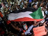 Sudanese protesters gather for a sit-in outside the military headquarters in Khartoum on May 19, 2019. (Mohamed el-Shahed / AFP)