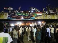 Sudanese demonstrators gather outside the military headquarters in Khartoum in the capital Khartoum on May 20, 2019. (AFP)