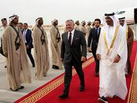 Sheikh Mohamed bin Zayed receives King Abdullah II at Al Bateen Airport. (AFP/ File)