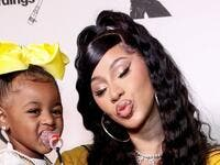 Cardi B with her daughter (Twitter)