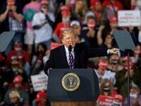 President Donald Trump speaks at a campaign rally at Atlantic Aviation on September 22, 2020 in Moon Township, Pennsylvania. JEFF SWENSEN / GETTY IMAGES NORTH AMERICA / Getty Images via AFP