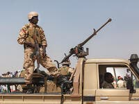 Human Rights Watch urged the new administration to investigate 18 serious allegations of abuses by armed Islamist groups and government security forces in the border regions of Tillabéri and Tahoua since October 2019. Human Rights Watch found that the security forces were allegedly responsible for at least 185 of the 496 deaths reported.