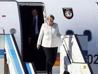 German Chancellor Angela Merkel arrives at Atatürk International Airport in Istanbul on October 27, 2018, to take part in the ''Four-way Istanbul summit on Syria''. (ISLAM YAKUT / POOL / AFP)