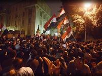 Storming the presidential palace of Morsi