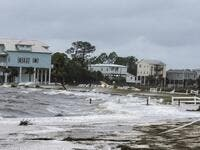 The wind and waves continue to pound the community of Shell Point several hours after Hurricane Michael made landfall on October 10, 2018 in Crawfordville, Florida. (Mark Wallheiser/Getty Images/AFP)