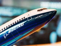 European Regulators Mull Clearing Boeing 737 for Flight