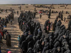 Civilians evacuated from the Islamic State (IS) group's embattled holdout of Baghouz wait at a screening area held in the eastern Syrian province of Deir Ezzor, March 5, 2019. (AFP pic)