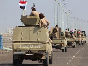 A reinforcement convoy of Yemen's Security Belt Force dominated by members of the the Southern Transitional Council (STC) seeking independence for southern Yemen, heads from the southern city of Aden to Abyan province on November 26, 2019 (AFP/ File Photo)