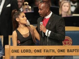 Bishop and Ariana Grande in compromising position (Twitter)