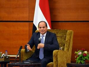 President Abdel Fattah al-Sisi speaking during a meeting with Sudanese politicians, thinkers, and journalists. (AFP/File)