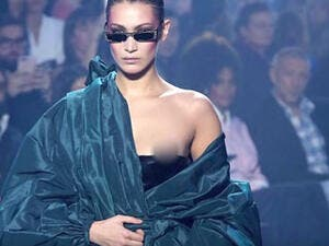 The 21-year-old American model appeared to ignore the wardrobe malfunction while walking the runway at the Alexandre Vauthier show Tuesday. (Source: Lehren Hollywood - Youtube)