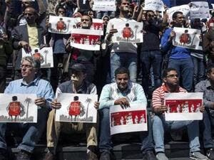 Journalists protest the crackdown on press freedom in Egypt. (AFP/File)