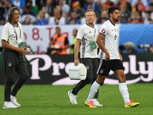Germany's midfielder Sami Khedira leaves the pitch during the Euro 2016 quarter-final football match between Germany and Italy at the Matmut Atlantique stadium in Bordeaux on July 2, 2016.