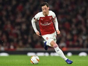 With the German playmaker having committed to lucrative terms in 2018, Jeremie Aliadiere believes others are looking for parity in north London
