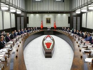 President of Turkey Recep Tayyip Erdogan (C) chairs the meeting of 65th Cabinet of Turkey at Presidential Complex, in Ankara on May 25, 2016. (AFP/Kayhan Ozer)