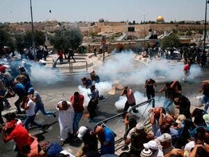 Water canons fired on worshippers by Israeli police as they enter the Jerusalem's Al Aqsa mosque compound (AFP/ File Photo)