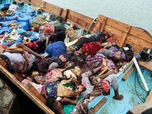 A picture taken on March 17, 2017, shows bodies of people who were killed in a boat carrying Somali refugees arriving in the rebel-held Yemeni port city of Hodeida. (AFP/Stringer)
