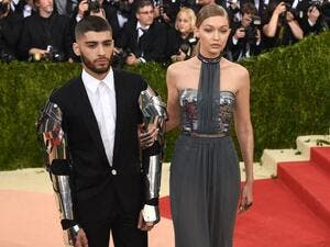 Zayn with his gf Gigi Hadid at the Met Gala 2016. (Screenshot)
