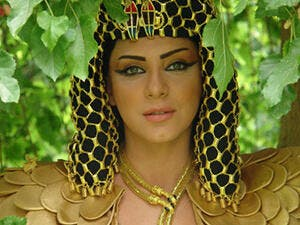 Sulaf in the role of Cleopatra
