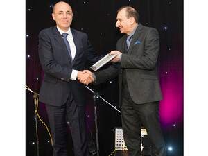 Alaa Youssef, Managing Director – Middle East at SAS receiving the award.