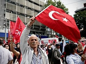 Turkish business body head foresees country's economy to grow 1 percent next year, inflation rate to hover around 17 percent. (Shutterstock)